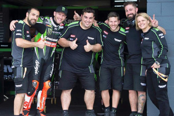Racing team of Tom Sykes 2016